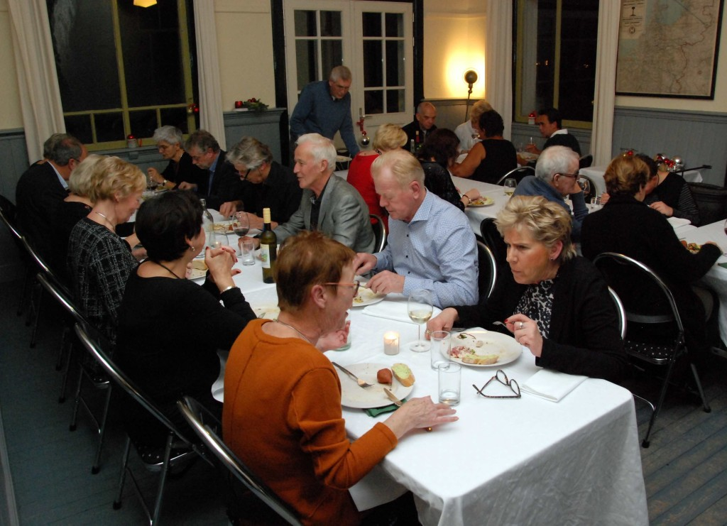 Sit-down dinner in de wachtkamer, max 40 gasten